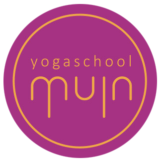 Over Yoga school Muin